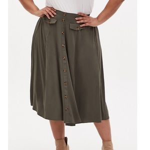 🆕 Torrid NWT Midi Skirt
